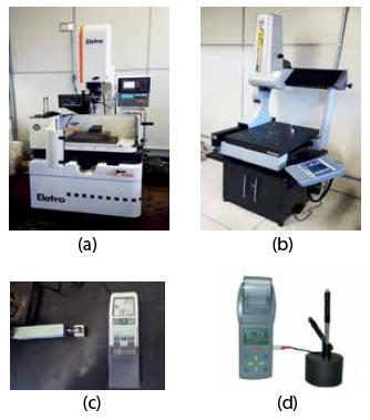 Figura 5 - Equipamentos empregados neste trabalho: (a) Máquina de eletro-erosão por penetração [9]; (b) máquina de medição tridimensional [10]; (c) Rugosímetro Mitutoyo [11]; (d) Durômetro de rebote [12].